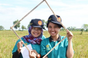 Lena (right) and her field facilitator colleague