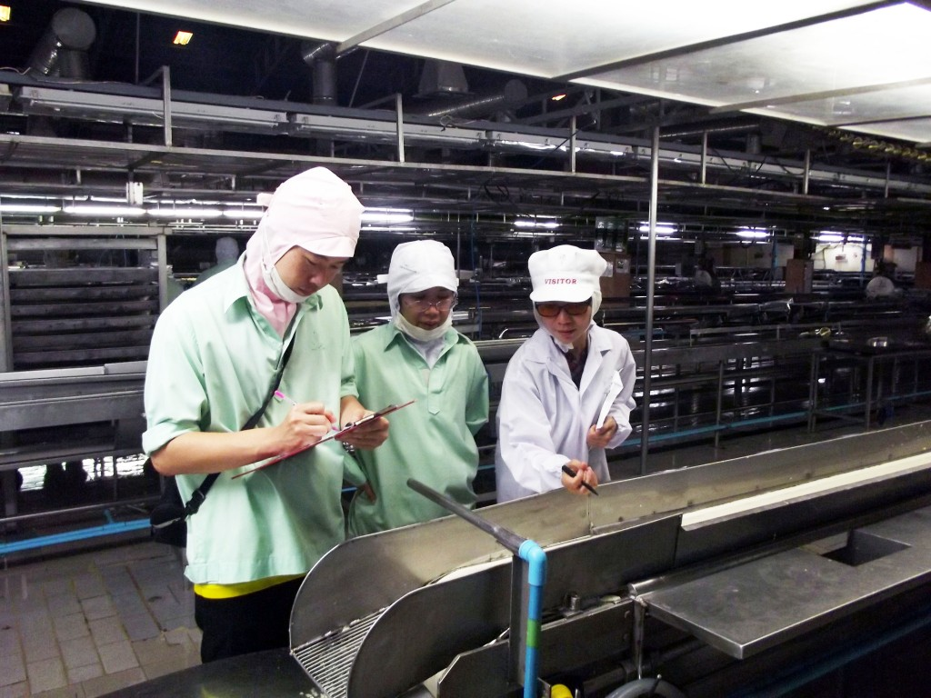 Ms. Rattanametta trains factory staff about plant hygiene