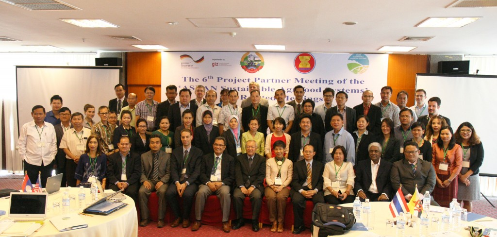 Group photos of the participants attending the 6th Project Partner Meeting and related meetings on 17-20 November 2015 in Vientiane Capital.