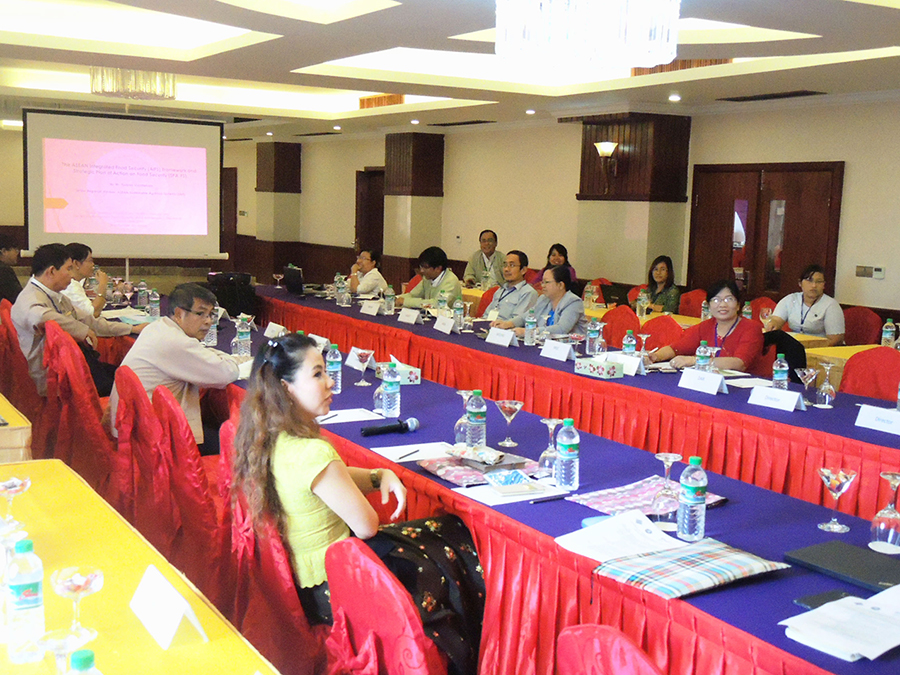 A high level policy dialogue on Food and Nutrition Security and the ASEAN Integrated Food Security (AIFS) Framework in Myanmar was organisedin Nay Pyi Taw in September 2015.