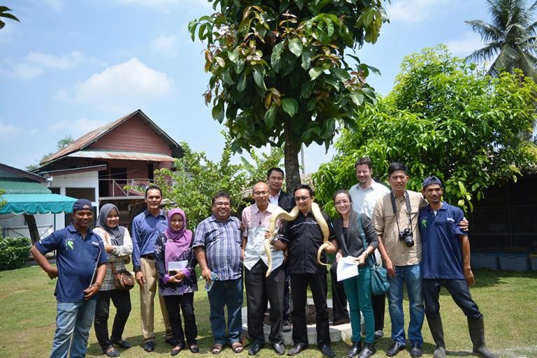 Group photo at the HETTS Bio Lestari
