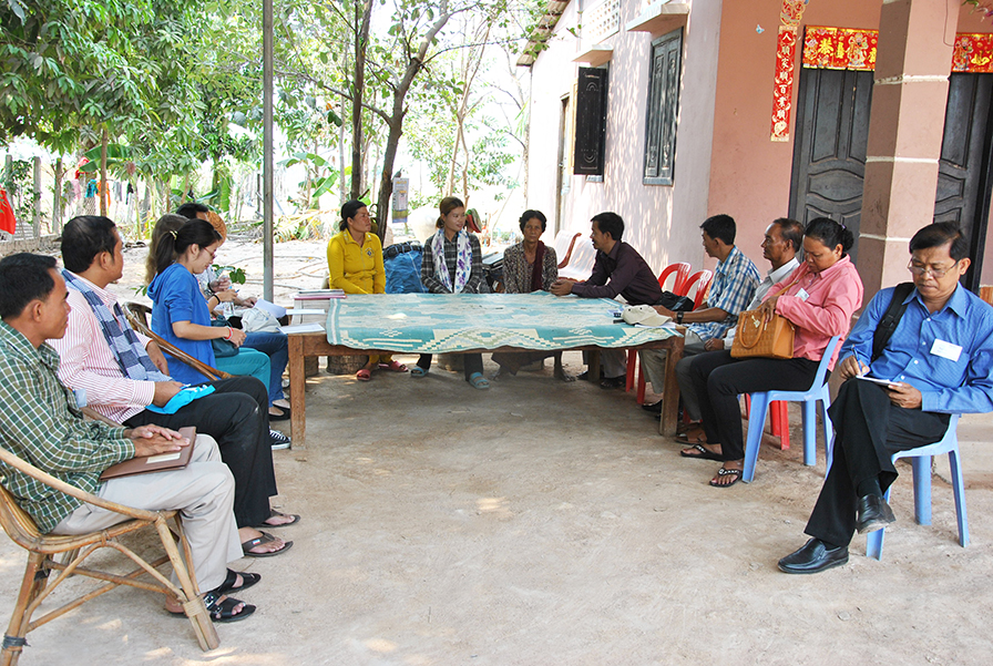 A field visit to GRET Project in Siem Reap, a vegetable project to improve communities' livelihood.