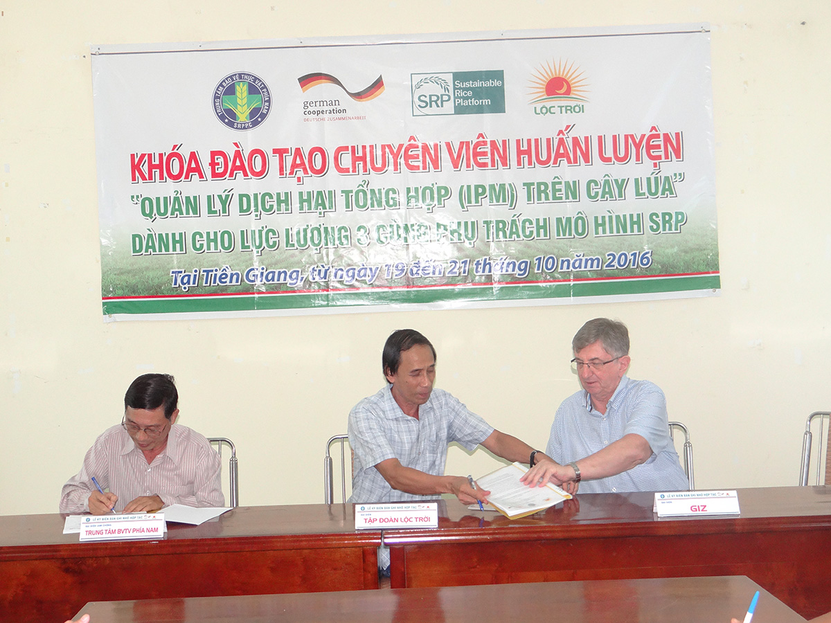 MoU signed: From left Mr. Le Quoc Cuong of Southern Region Plant Protection Center; Mr. Vo Van A of by Loc Troi Group and Mr. Ambros Dotzer of German-ASEAN Sustainable Agrifood Systems