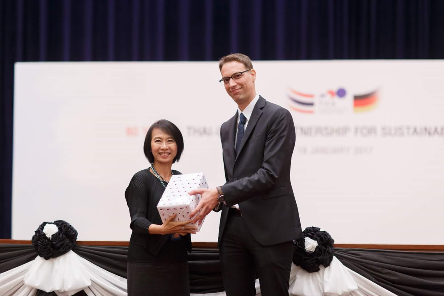 Mrs. Suphatra  Srimaitreephithak, Director - General of Thailand International Cooperation Agency (left) and Dr. Matthias Bickel, Project Director of ASEAN Sustainable Agrifood Systems