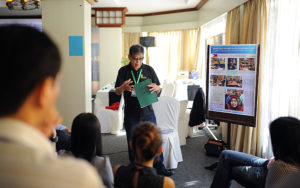 Ka Louie Tabing of the Philippine Federation of Rural Broadcasters narrates how they utilize radio to inform farmers on various topics concerning climate smart agriculture (photo by FOR-CC, GIZ)