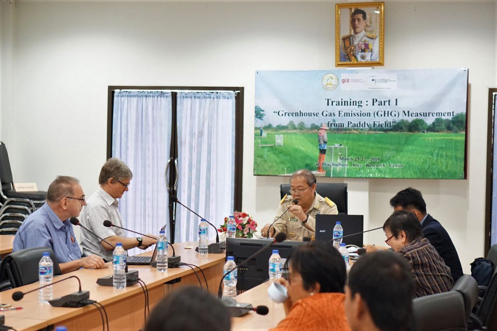National and International experts from the International Rice Research Institute (IRRI), rice research centers and GIZ Thailand hold a meeting to discuss a push for more effective database system to eliminate the impacts of climate change in Prachin Burin province, Thailand. (Photo credit: Prachin Buri Rice Research Center)