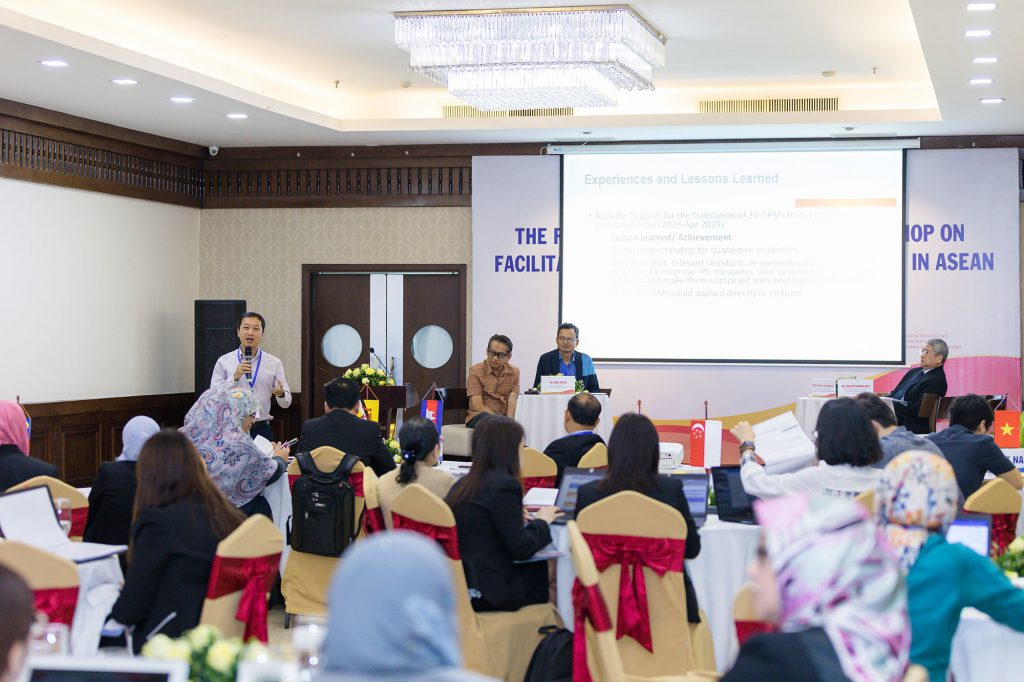 Regional Knowledge Sharing Workshop on Facilitating Trade for Agricultural Goods in ASEAN on 8 May 2019 in Hanoi. (Photo credit: GIZ Vietnam)